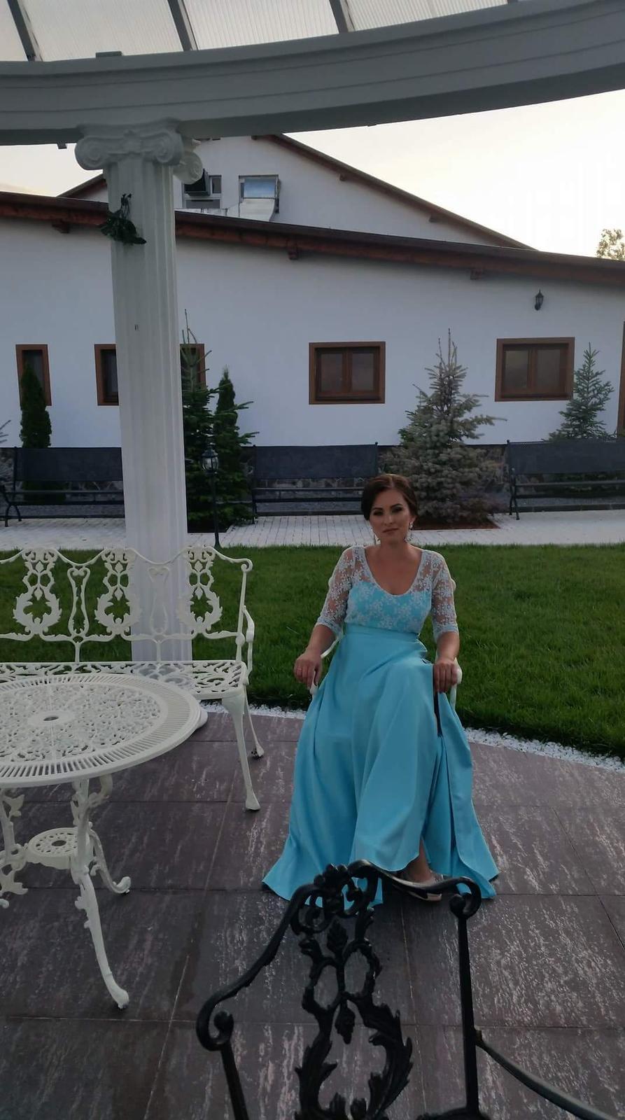 Modré šaty s krajkou - Obrázok č. 1