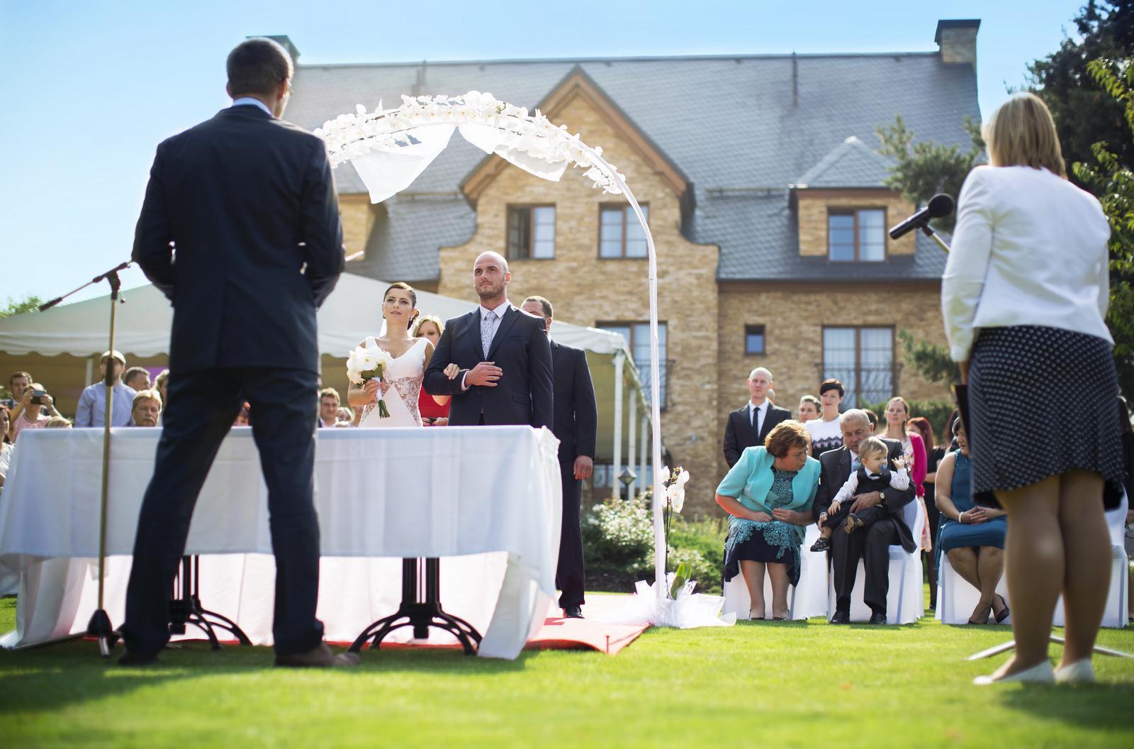 djfica - ozvučení svatebního obřadu