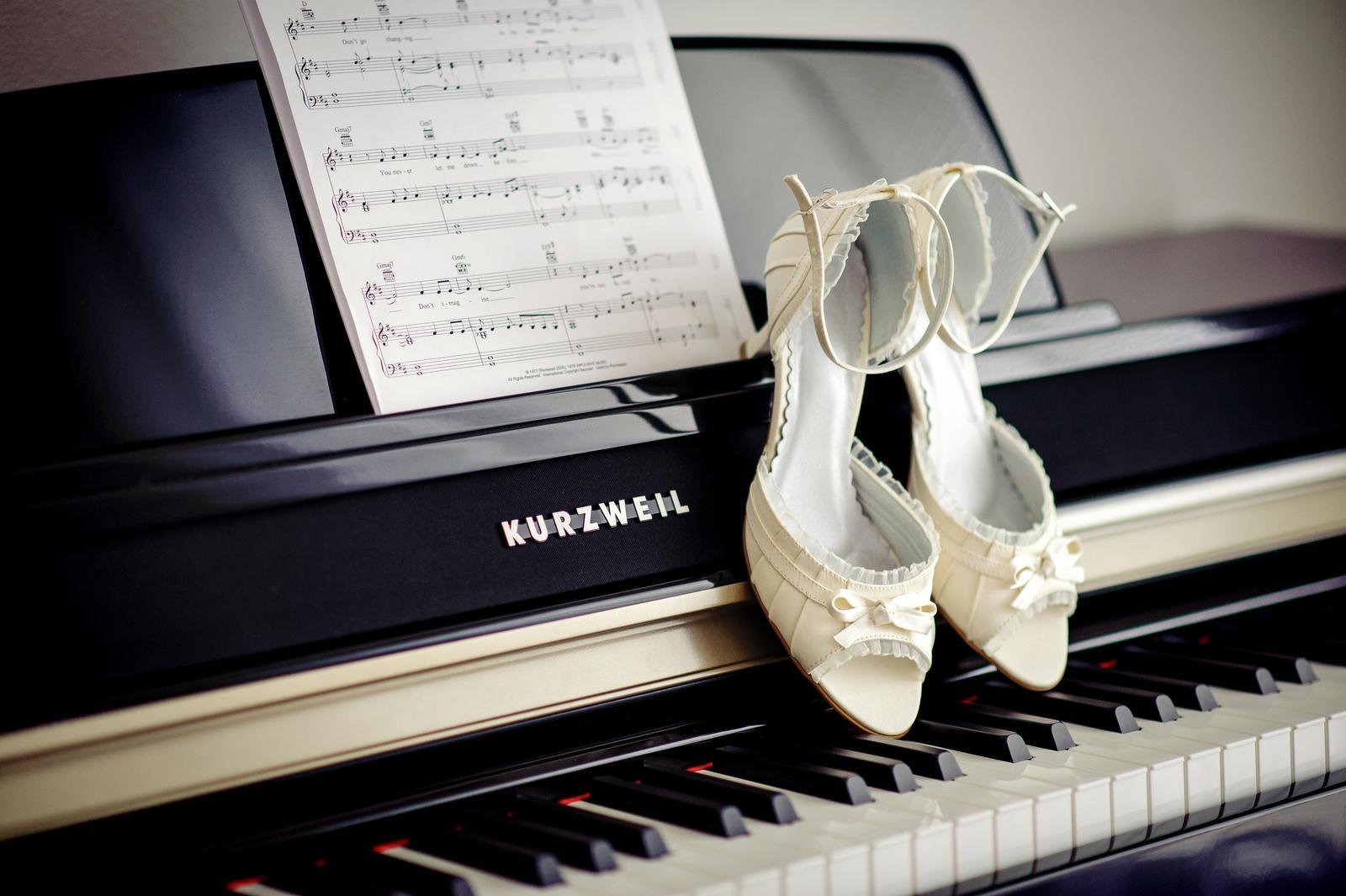 H{{_AND_}}P - ženichov klavír a moje botičky
