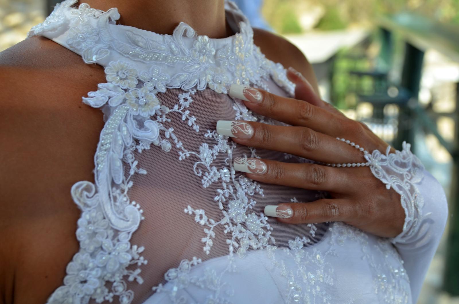 svatební šaty s krajkou - Obrázek č. 3