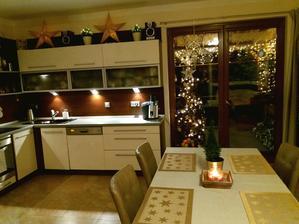 Kromě hvězd nic nového letos z vánoční výzdoby nepořizuju..
