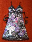 Pestrofarebné spoločenské šaty, 38