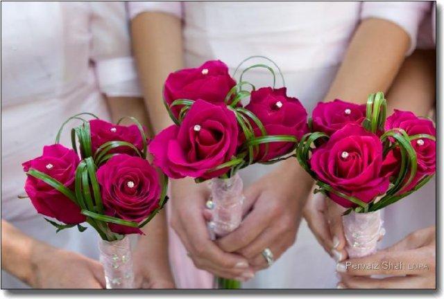 Přípravy 11.6.2011:)))) - jen zase smetanové růže a malinové špendlíky
