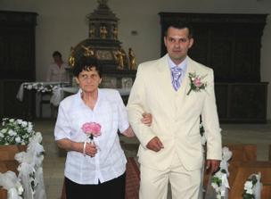 babička už vede ženicha