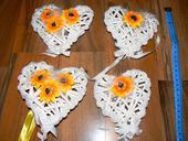 4 kusy srdcí se slunečnicemi,