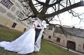 vyšívané svatební šaty, 37