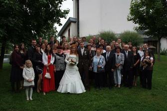 Všetci svadobčania pokope