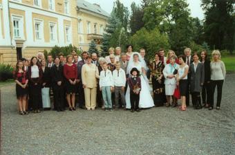 všichni svatebčani...rodina a pár kamarádů...