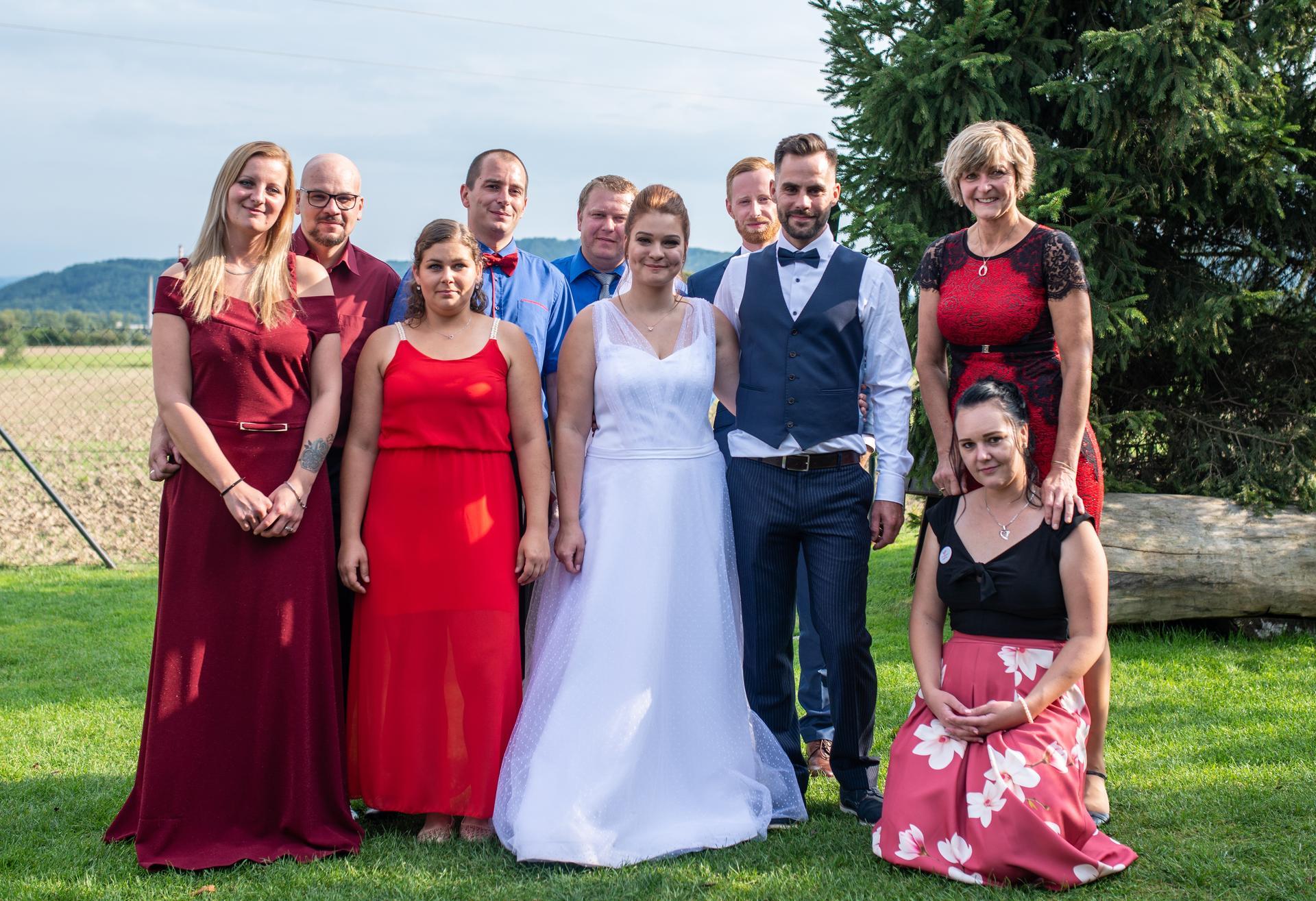 Radka {{_AND_}} Bohumil - Když se s manželem poznáte v práci, je z vaší svatby tak trochu firemní večírek :D