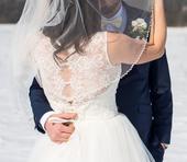 Svadobné šaty s čipkovaným chrbtom, 40