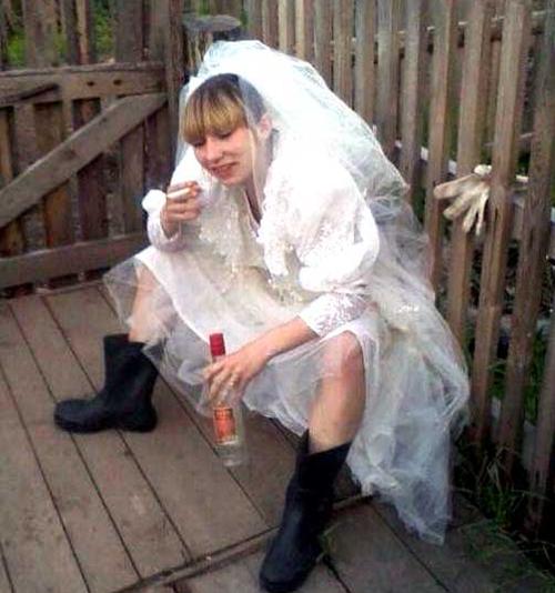 Svatební katastrofy - sklenička šampusu na guráž