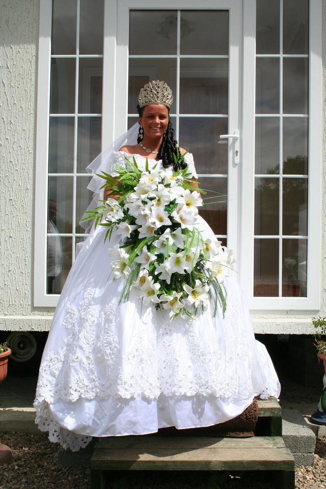 Svatební katastrofy - neměla jsem předse jen zvolit objemnější kytku? nevypadá tahle troško chudě?