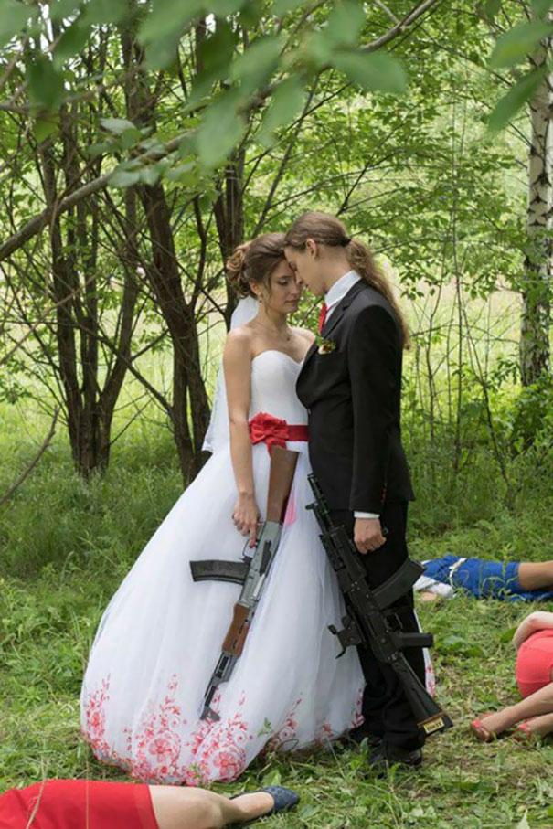 Svatební katastrofy - mrdky otravný,kdo to mal pořad poslouchat kdy bude miminko..