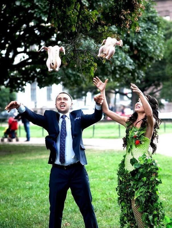 Svatební katastrofy - co když si někdo všimne, že to nejsou živé holuby? drž hubu, fotografka říkala, že to vyretušuje