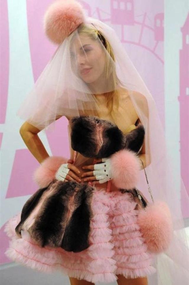 Svatební katastrofy - kámoška řekla, že je jí z tych šatu na blití.. ja vím, že jen závidí