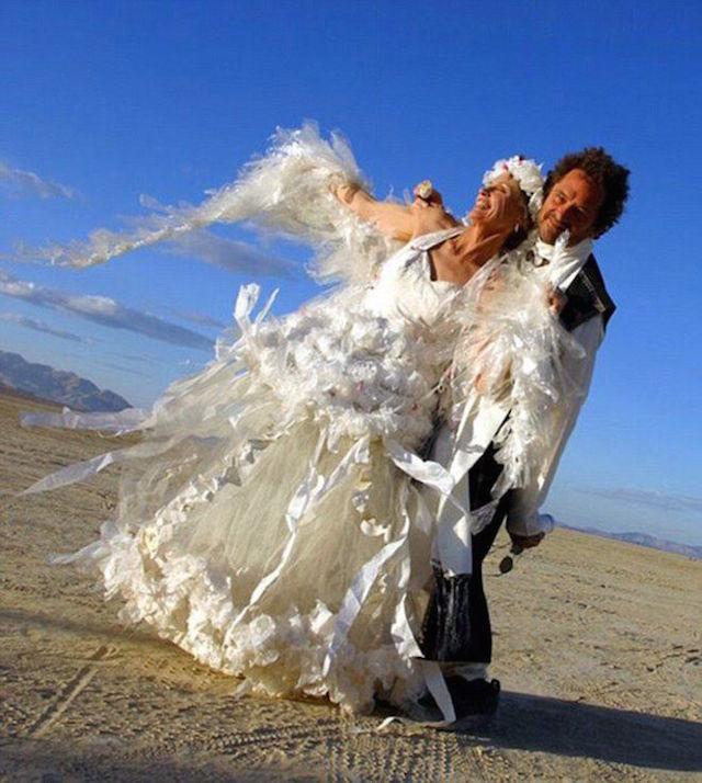 Svatební katastrofy - zbytečně mě děsili ať je neperu v pračce, šaty to prežili uplne  klídku