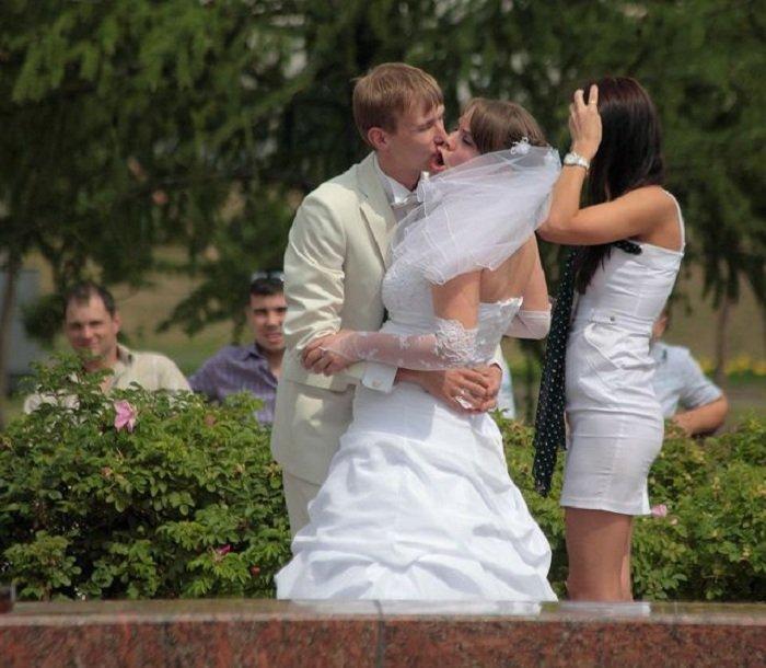 Svatební katastrofy - momentky mají zvláštní kouzlo, ne jako ty strojený nafintěný fotky