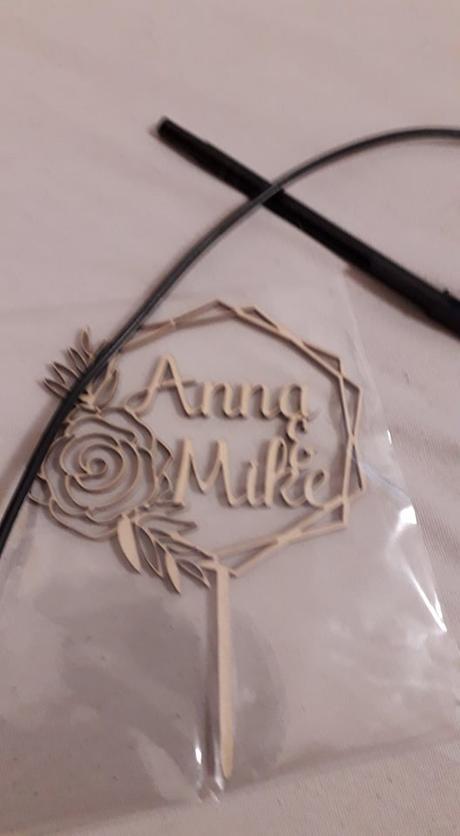 dřevěný zápich na dort Anna&Mike - Obrázek č. 2