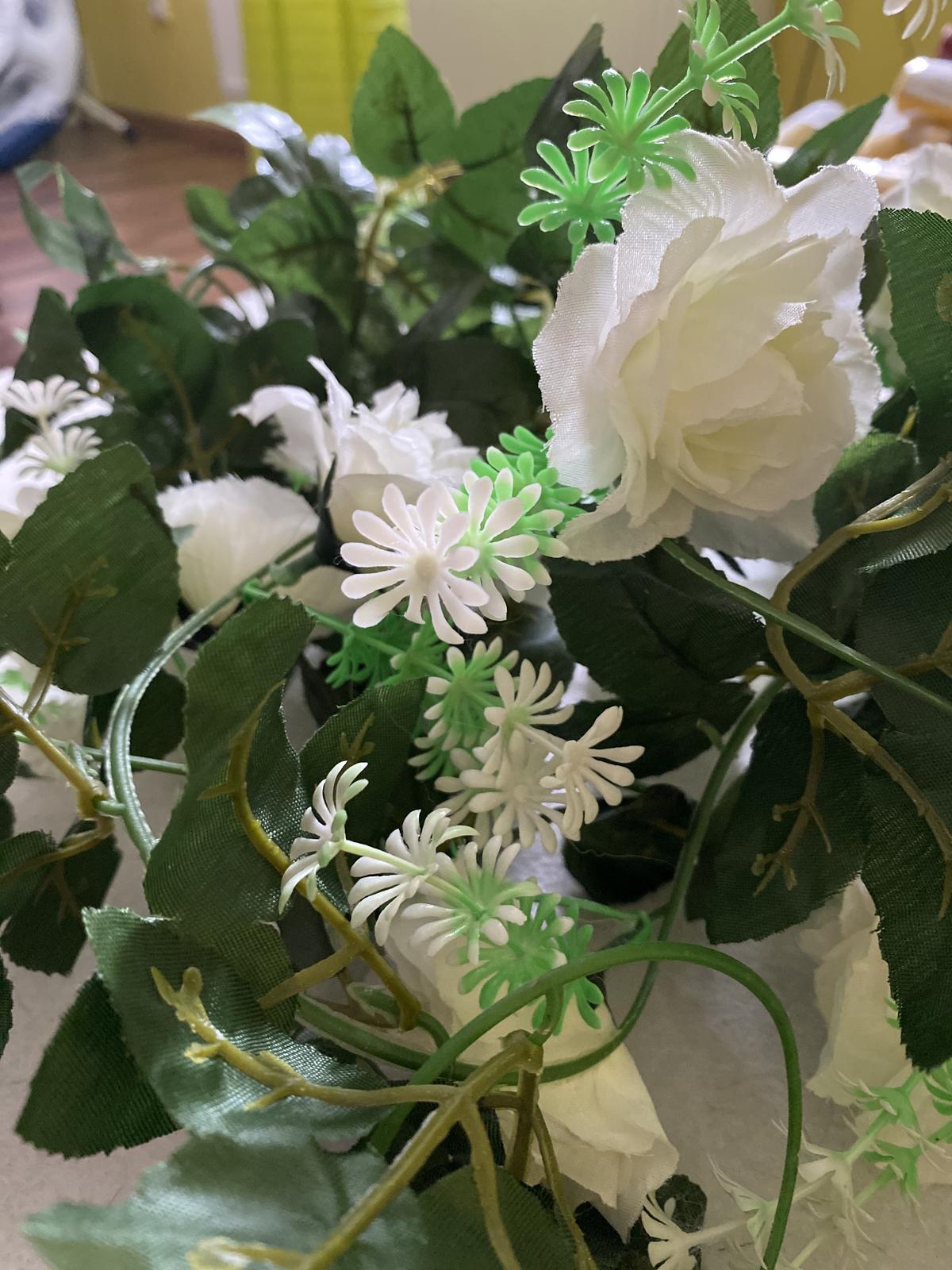 Umelá girlanda- biele ruže - Obrázok č. 2