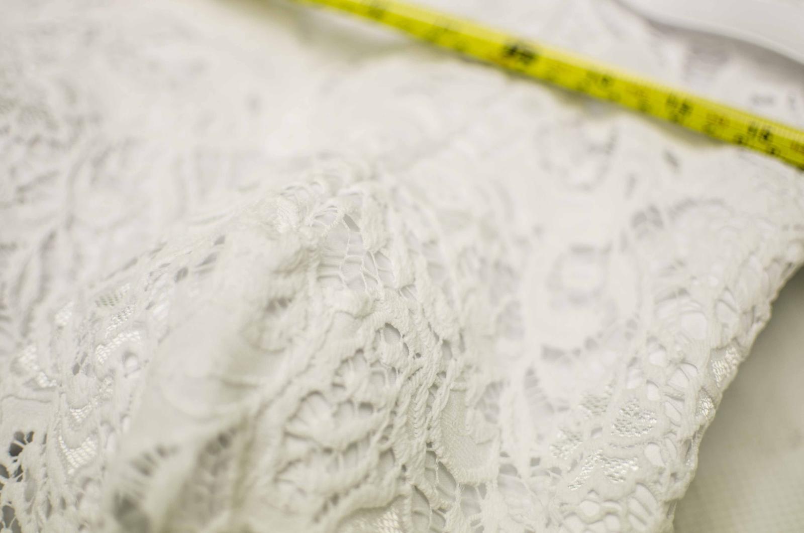 Krásné, nadýchané svatební šaty - Obrázek č. 1