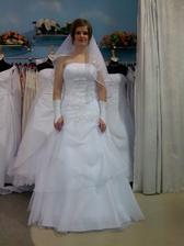 zkouška svatebních šatiček...;-)