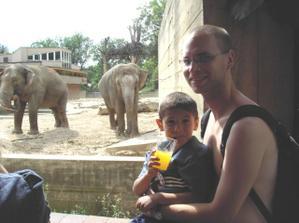Moje lásky (ne, ty vzadu, to jsou jen sloni)