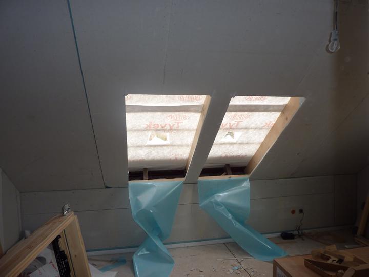 Naše Nova 77 - hotovo! - Dětský pokojík - bude hodně světlý, má 3 okna