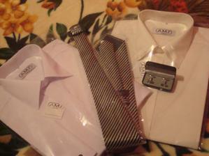 Milého košeľa k mojim svadobným šatám, k popolnočným šatám, kravata k popolnočným šatám a manžetové gombíky