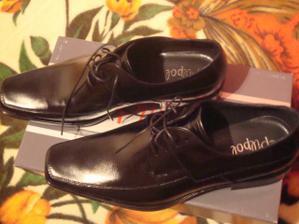 milého topánky k obleku