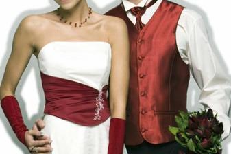 svatba proběhne v barvách bílá-bordó