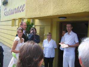Přivítání u vchodu penzionu Viktoria