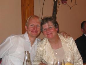 Bratr nevěsty s maminkou