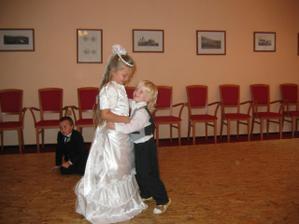 První tanečníci ...