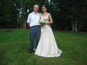 Novomanželka se svým bratrem