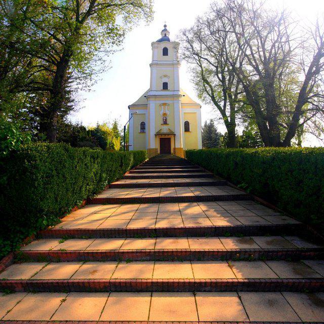 17.7.2010 Andrea a Maťo - tu bude obrad...kostol Bošáca