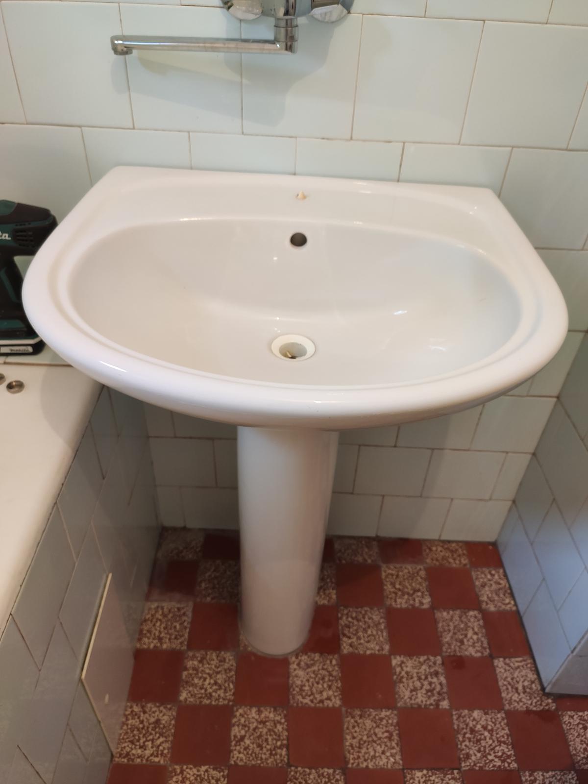 Umývadlo s nohou - Obrázok č. 1