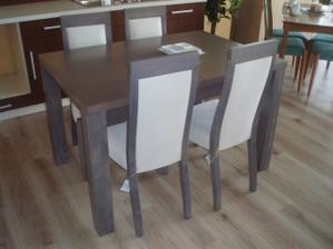 kuchynský stôl a stoličky