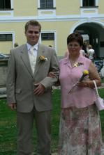 ... manžel  :) s maminkou...