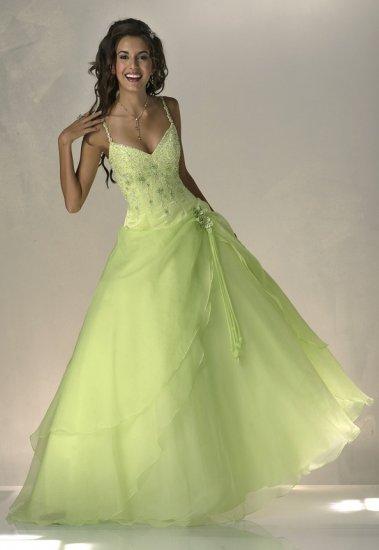 Inšpirácie a prípravy na náš deň D 2.10.2010 - nádherné šaty ... nemám, ale snáď raz budem :-)