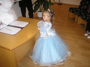 to je naše dceruška Dominička.Byla jako princezna.