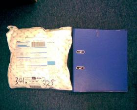 balíček od Asapa se šatičkama - prožitý šok z velikosti balíku.o)