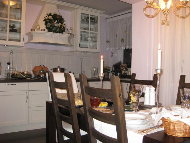 Drevo a biela v kuchyni - Obrázok č. 41