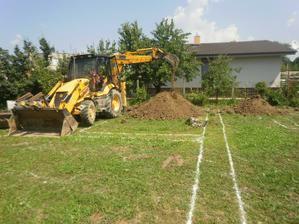 ....začíname kopať....