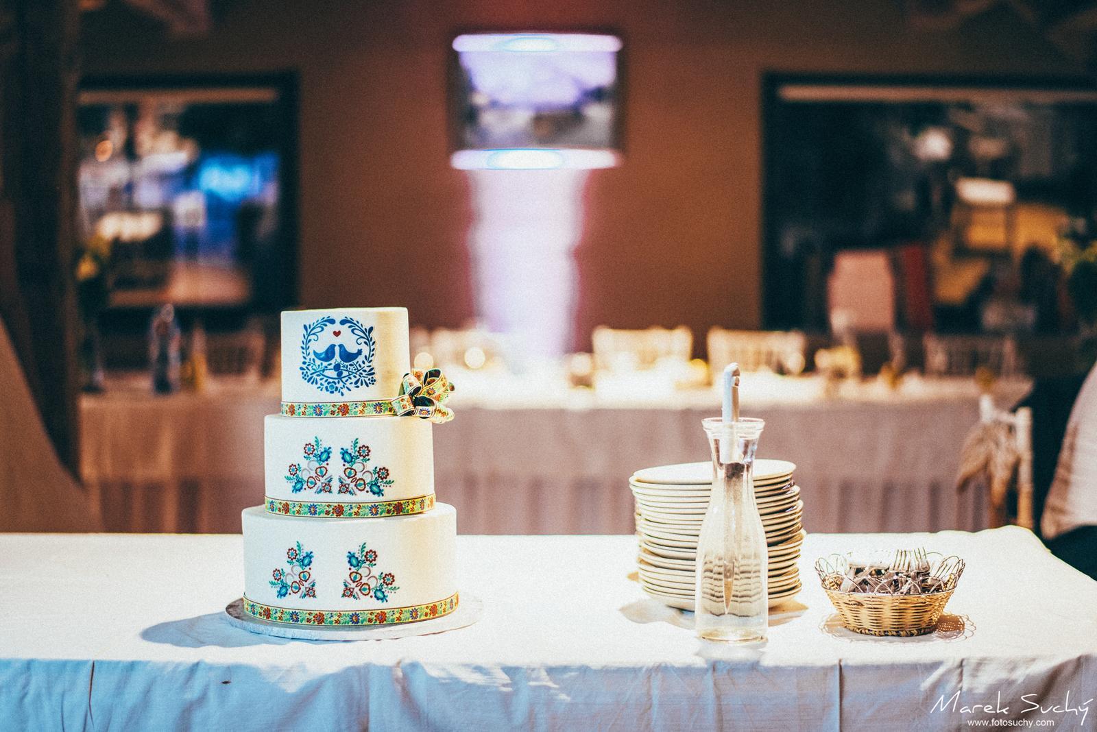 Ľudové prvky na svadbách :-) - Obrázok č. 1