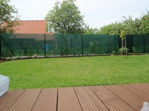 zahrada se nám krásní