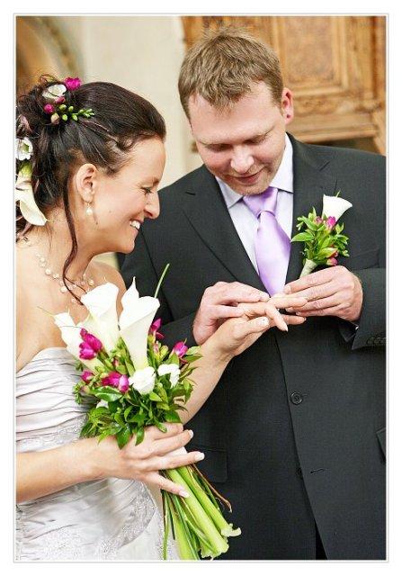 Ivča se vdává ;) - kytka objednána (vypůjčeno od jedné nevěsty odsud)