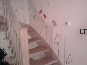 a záhadně nám rozkvetlo i schodiště :o))))))