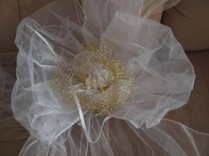 mašle u nevěsty... nevěsty výzdoba do tvaru V