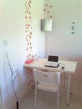 tapeta a nový stůl