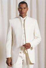 Tento oblek je najkrajší ale nakoniec bude sivý